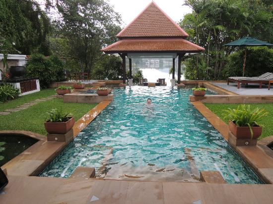 Banyan Tree Phuket: Infinity-Pool und Massage-Pavillion