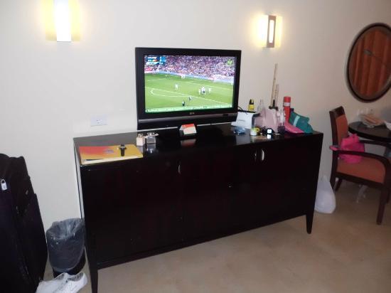 Hilton Sharks Bay Resort : The TV