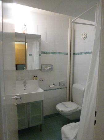Design Hotel F6: salle d'eau
