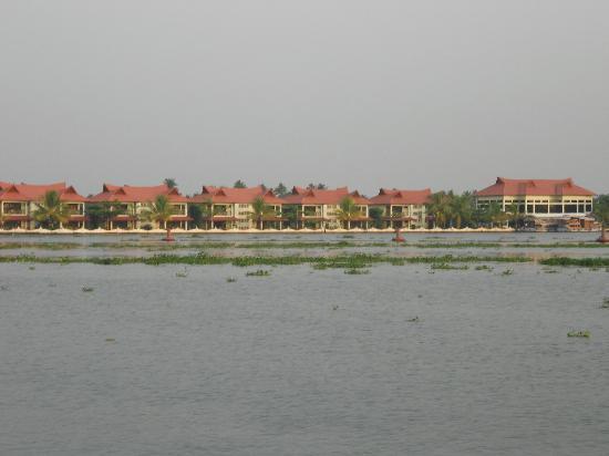 Lake Palace Resort: resort view!