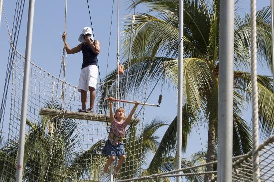 Club Med Ixtapa Pacific: Trapeze!