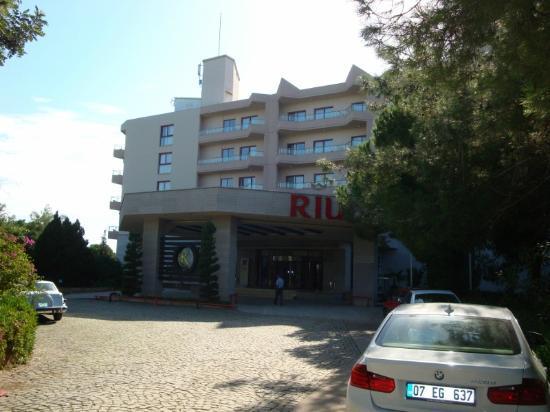 Hotel Riu Kaya Belek: Front of hotel