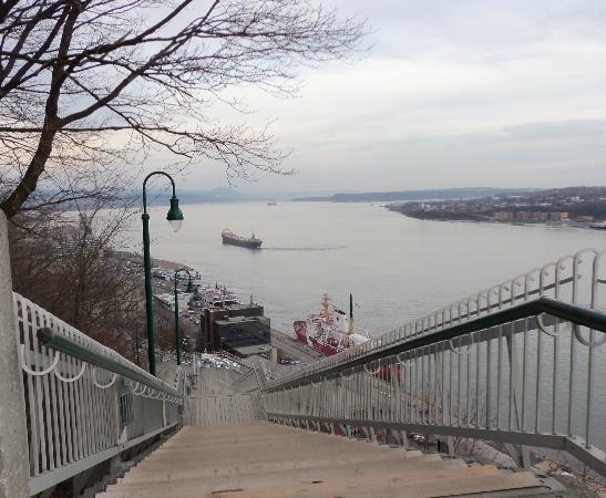 Quartier Petit Champlain : view of the river