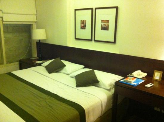 Tanaya Bed & Breakfast : The bed (king size)