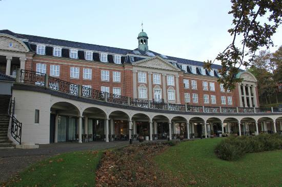 Hotel Koldingfjord: Facade med udsigt til Kolding Fjord