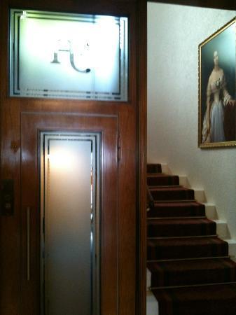 Eden Hotel Geneva : Ascenceur