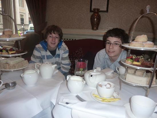 Macdonald Randolph Hotel: cream teas