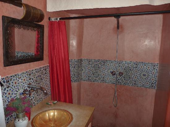 Riad Andalla: salle de bain
