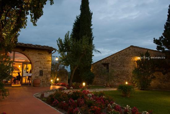 Hotel Belvedere Di San Leonino: Entrance to the estate