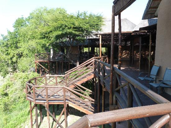 Lukimbi Safari Lodge: Common deck