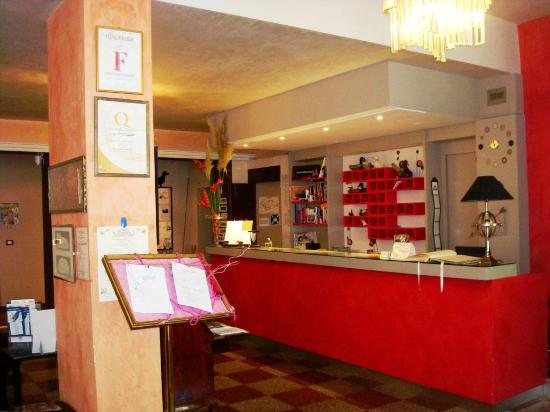 Hotel Ristorante Giardinetto: Reception
