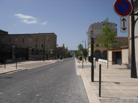 Parva Domus  - Famille Rimaire : Street in front of B&B