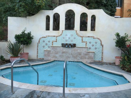 Kenwood Inn and Spa, A Four Sisters Inn: a small pool in another courtyard