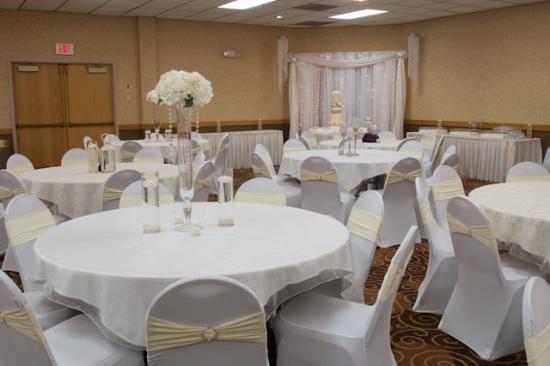 Ramada Bismarck: Banquet Rooms