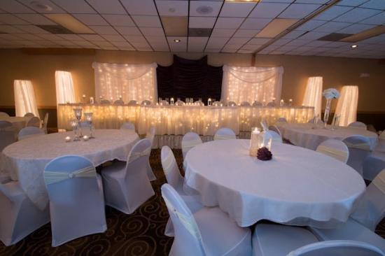 Ramada Bismarck: Banquet Room