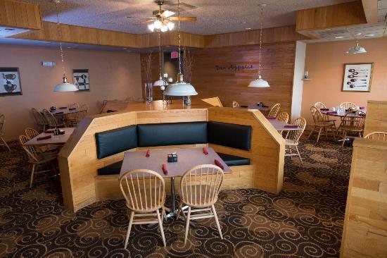 Ramada Bismarck: Dining Room