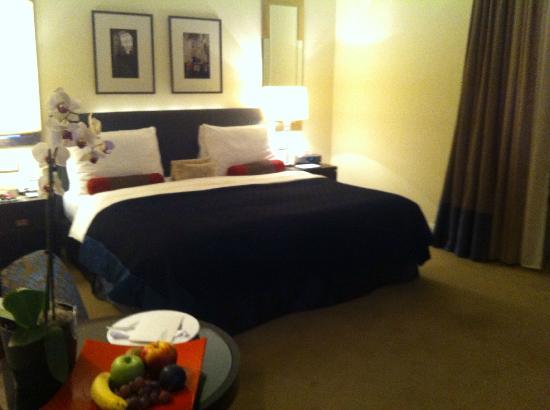 Mandarin Oriental, Prague: unser Doppelzimmer Bett