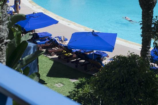 Le Medina Essaouira Hotel Thalassa Sea & Spa - MGallery Collection: The Pool with the Sunbeds