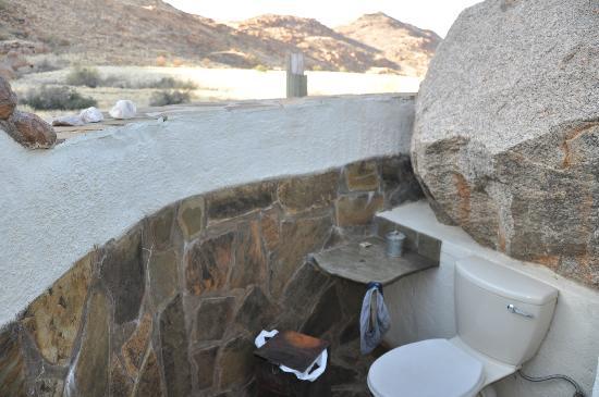 KUANGUKUANGU - Luxury Cabin: coin toilettes