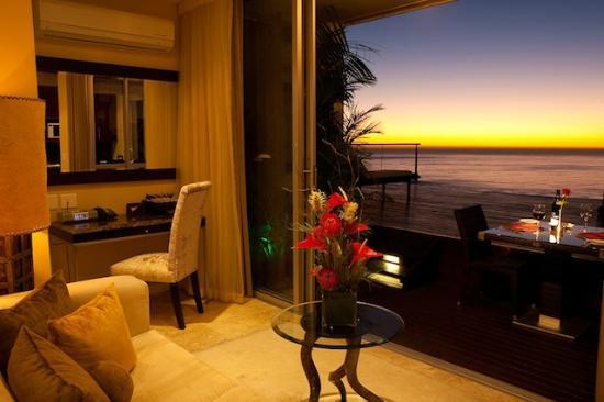 Atlanticview Cape Town Boutique Hotel: The Atlanticview Sunset Suite and View