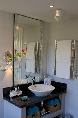 Atlanticview Cape Town Boutique Hotel: The Atlanticview Penthouse Suite Bathroom