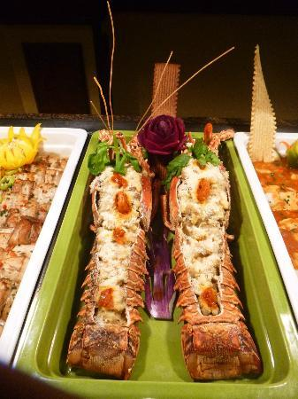 Majestic Colonial Punta Cana: Lobsters in main buffet