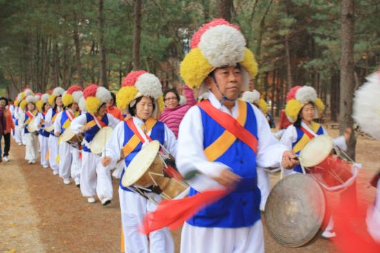 ‪‪Nami Island‬: when the drum beats..‬