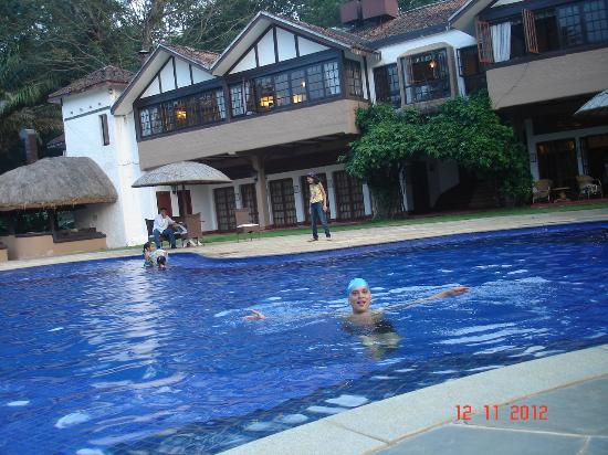 Evolve Back, Coorg: Family pool