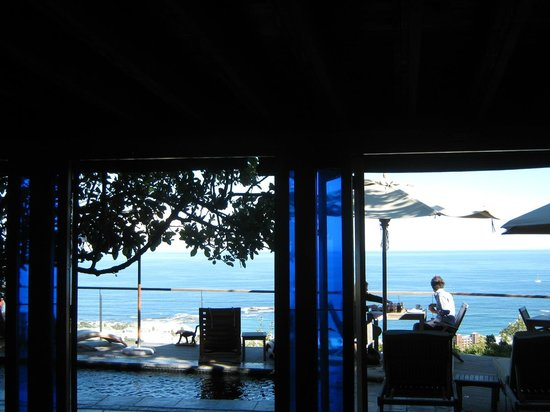 Boutique @ 10: Breakfast on the deck ...