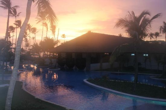 Hotel Majestic Colonial Punta Cana: Ahhhhhh the sunrise! View from the balcony