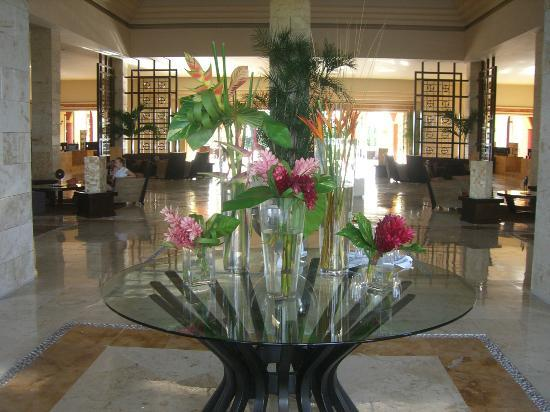 Ocean Maya Royale: Lobby Entrance