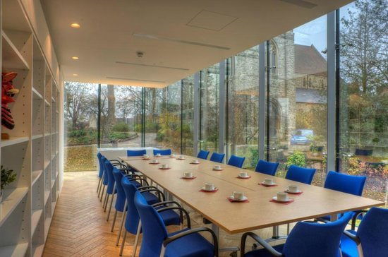 Maidstone Museum: Glass Room