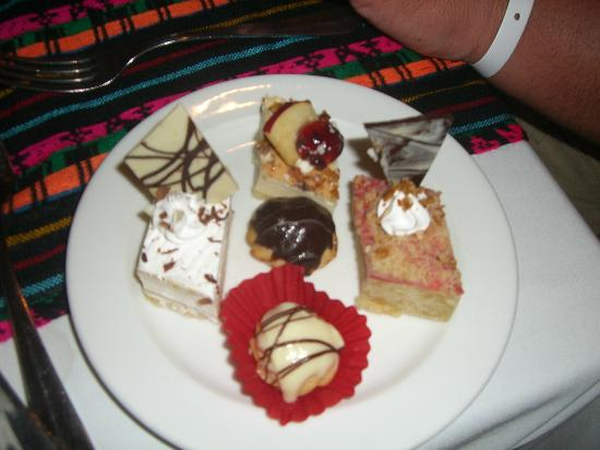 Ocean Maya Royale : food was amazing (pastries)