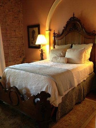 Ant Street Inn: Fabulous Bed