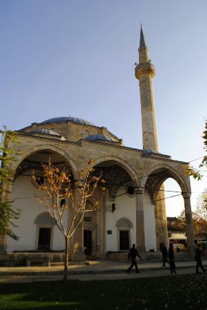 Fatih Mosque (Xhamia e Mbretit)