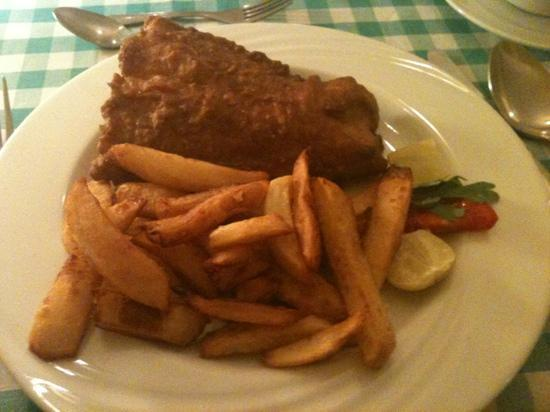 Deans Bistro : fish and chips
