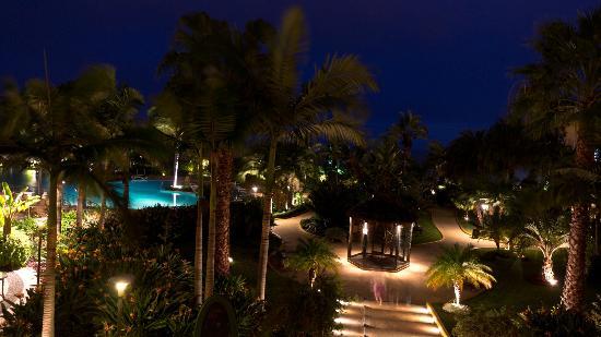 Porto Mare Hotel: Nachtansicht Pool