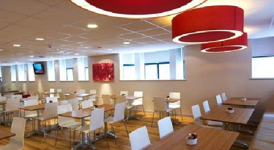 Travelodge Cardiff Central Queen Street: Barcafe