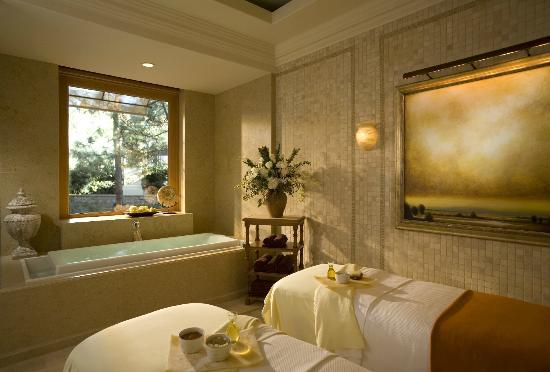 The Spa at Pelican Hill Treatment Room