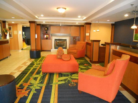 Fairfield Inn & Suites Christiansburg: Lobby 2