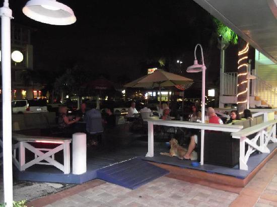 Clock Tower Sports Bar & Grill: getlstd_property_photo