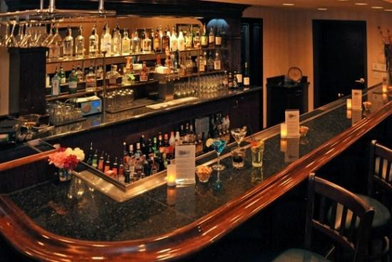 Oxford Suites Downtown Spokane: Bar/Lounge