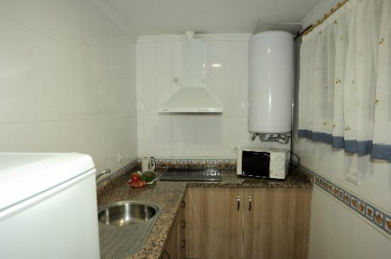 Apartamentos Acuario: Moderne neue Kueche