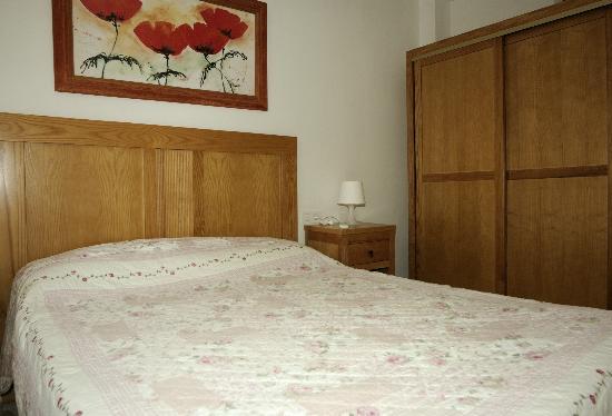 Apartamentos Acuario: Schlafzimmer