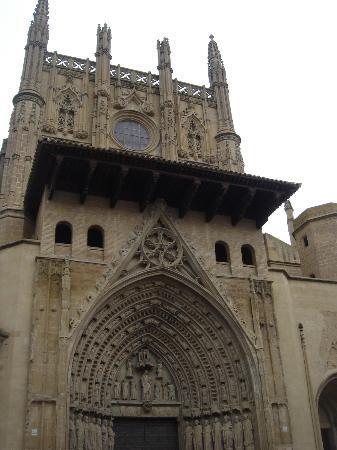 Catedral de Huesca: portada de la catedral