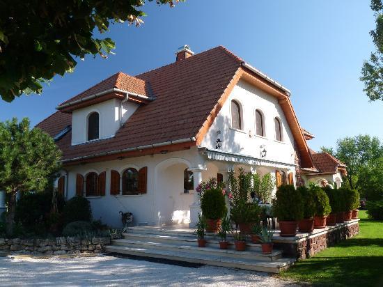 Balatonakali, Hungría: Hauptgebäude