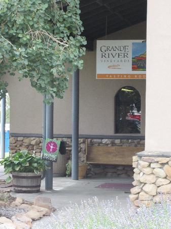 Grande River Vineyards & Winery: getlstd_property_photo