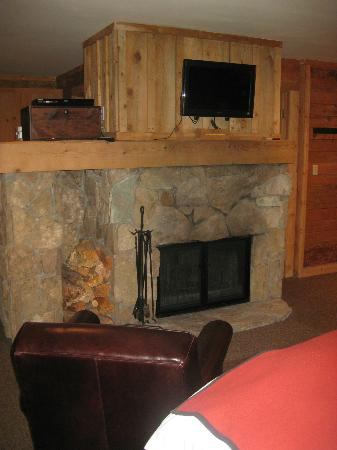 Sundance Resort: Fireplace in our room