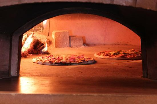 La Fiamma: pizzas being cooked