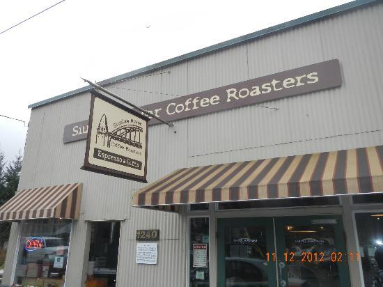 Siuslaw River Coffee Roasters: Exterior Sign (current picture is for an auto shop)